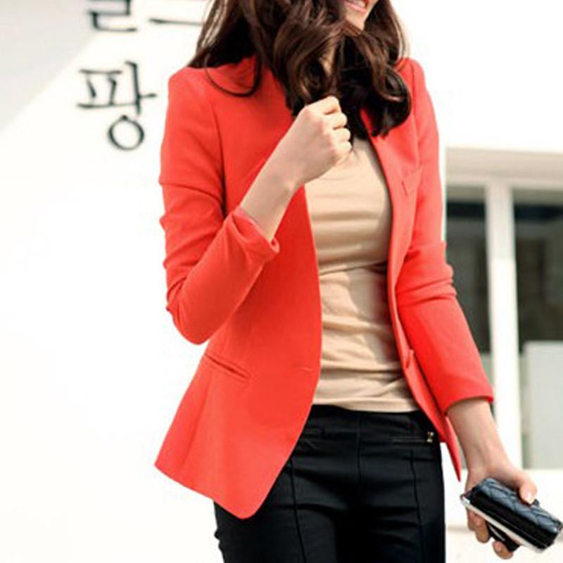 橘红色西装外套搭配图片