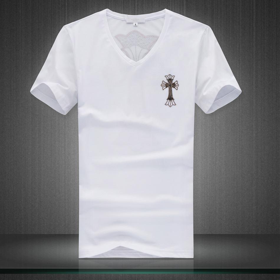 纯白纯黑t恤搭配