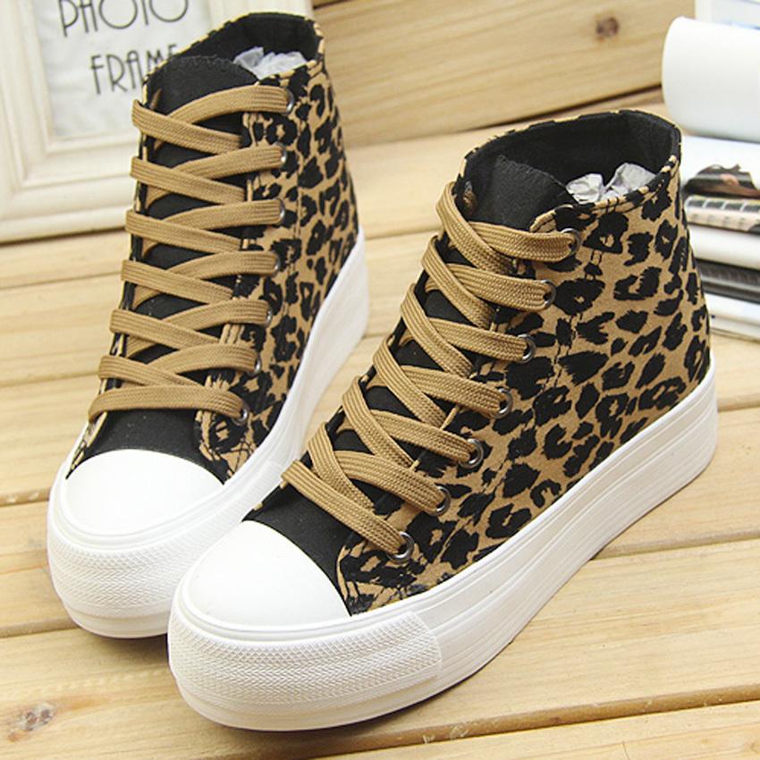 豹纹休闲鞋子全身搭配图片