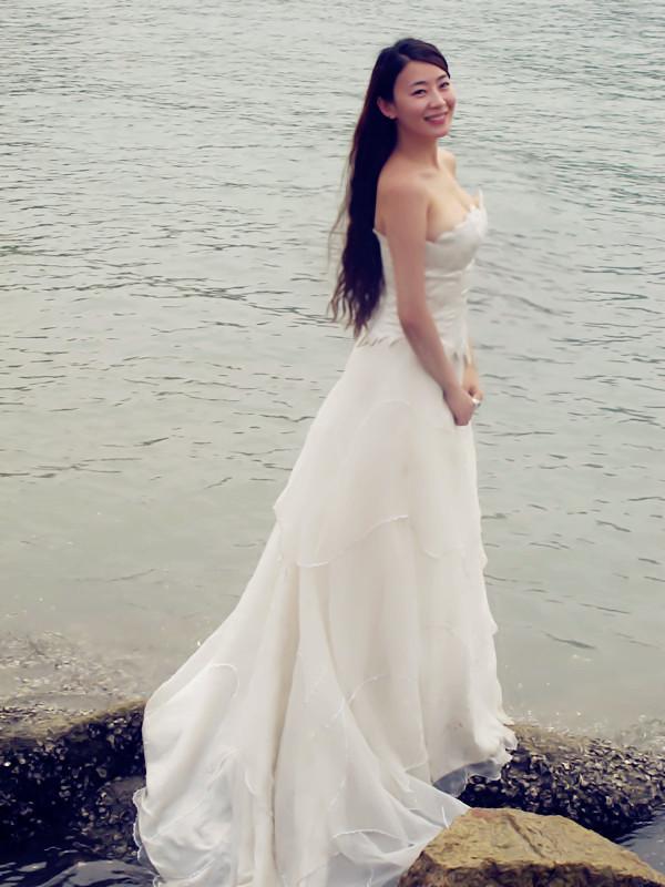网友焦婷婷laurel分享搭配:鱼尾白纱,不是婚纱照哦,去图片