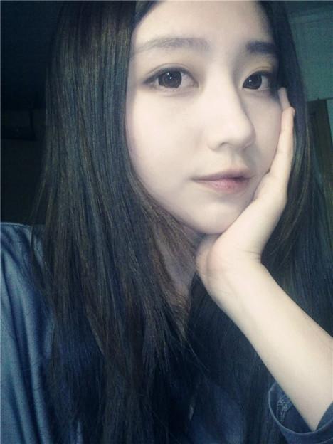 韩国ulzzang的微笑眼妆教程 高清图片