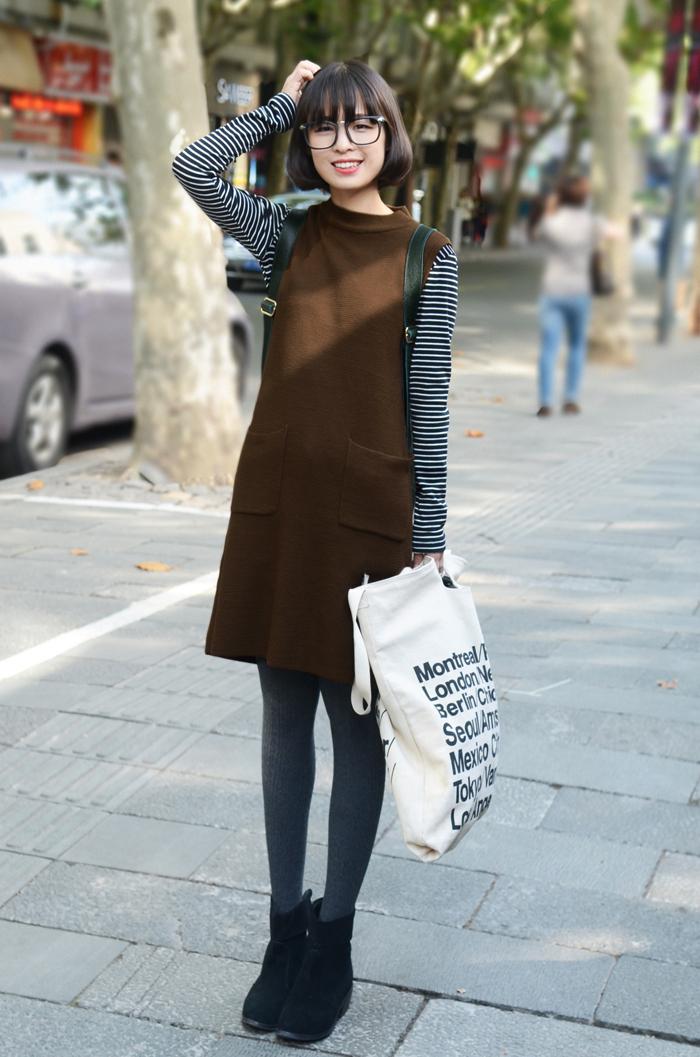 连衣裙针织褐色搭配
