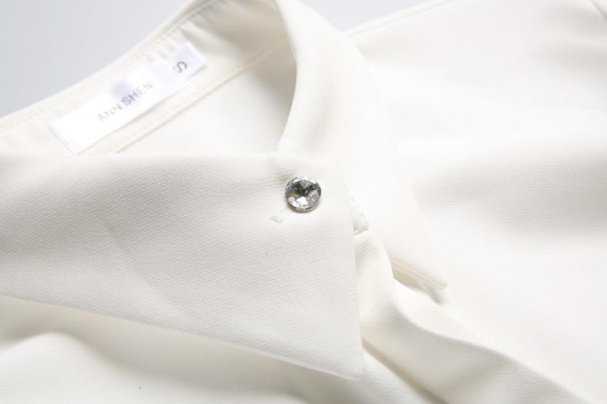 简约设计感钻石扣衬衫