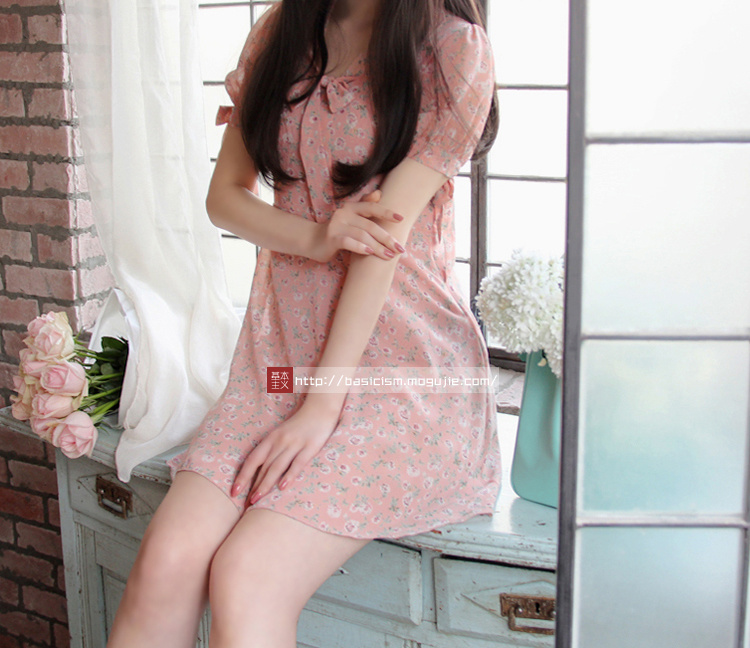 【特色蝴蝶结领带连衣裙】-衣服-裙子