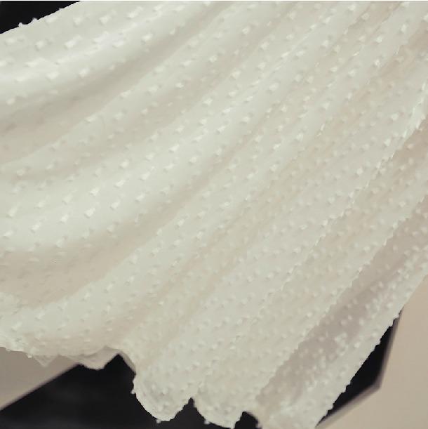 翻领蝙蝠袖刺绣雪纺连衣裙