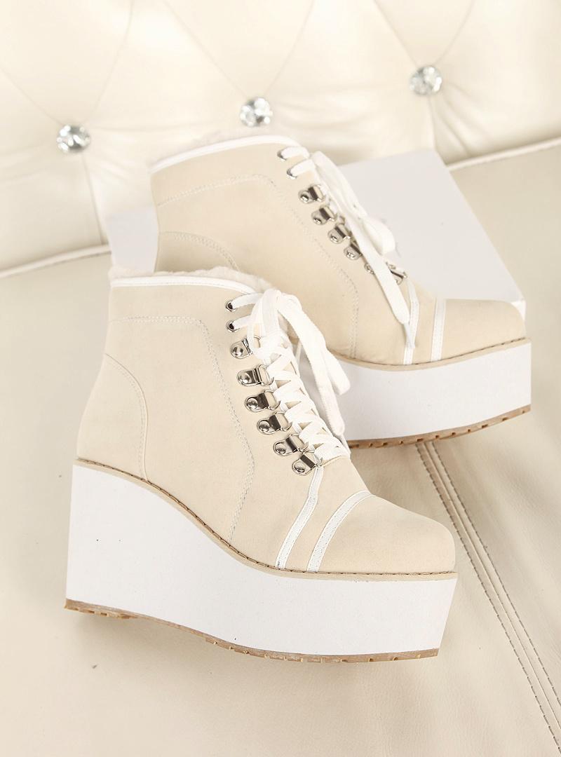 vivi杂志款坡跟短靴