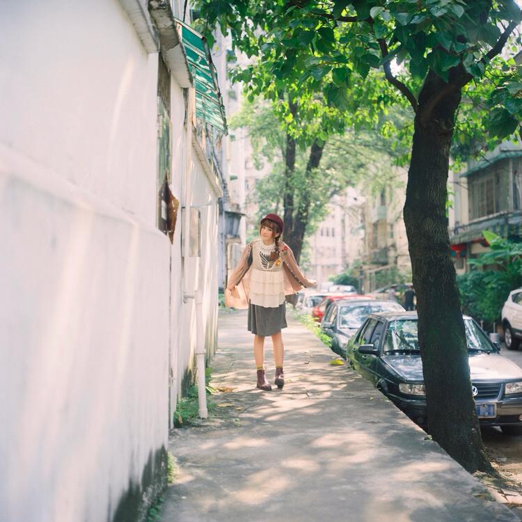 森系街道风景图片