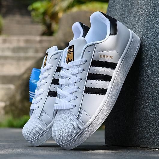 adidas/三叶草superstar 经典黑白金标 男女鞋贝壳头板鞋 c77124图片