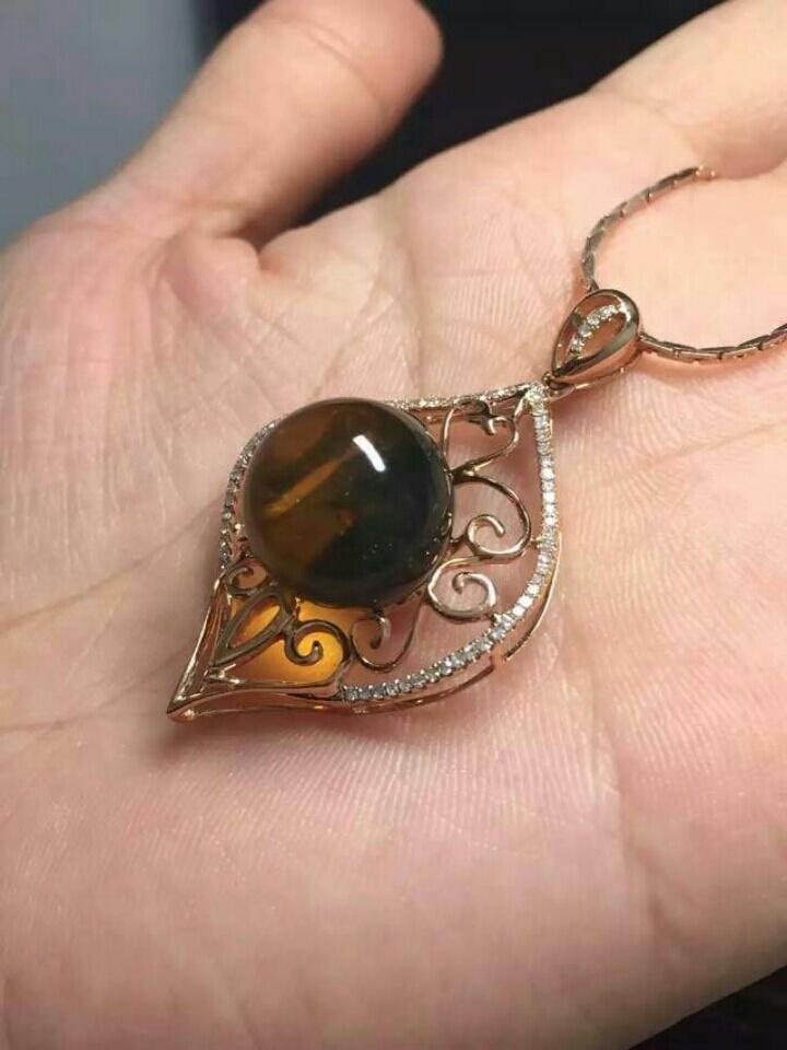 美美的蓝珀圆珠戒指 18k金钻石镶嵌!好美的款式珠子13mm!价格4000