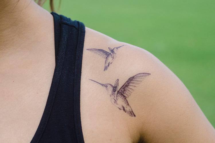 下个星期去英国 男女情侣可爱趣味纹身贴