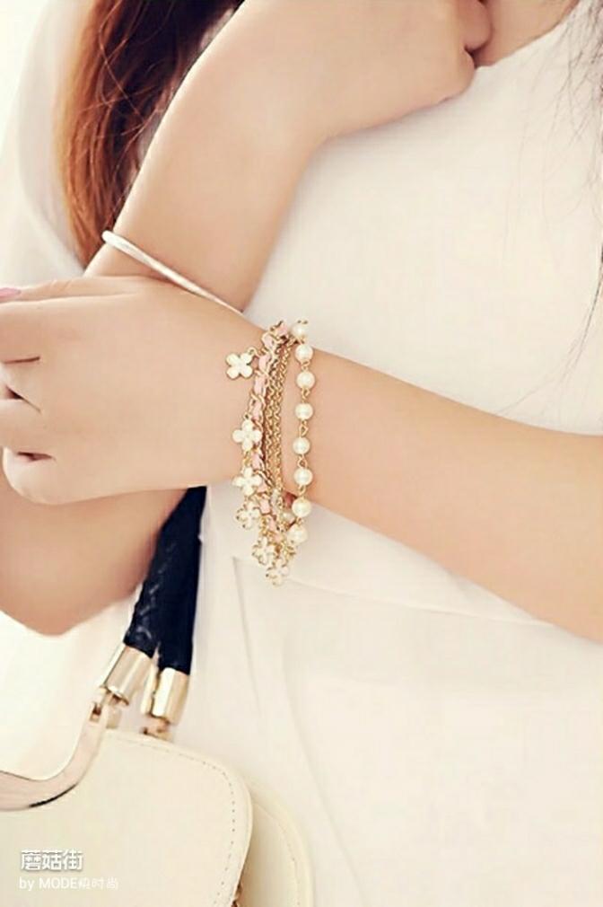 韩版个性百搭,四叶草串珠皮绳珍珠手链