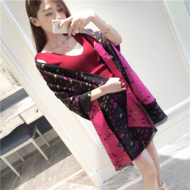 size 材质:羊绒 适用性别:女 编织方法:平纹 加工方式:提花 图案:蝴蝶