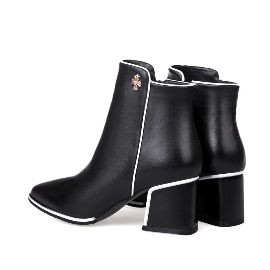 【《洛丽塔》时尚真皮尖头粗跟短靴】-鞋子-靴子_女鞋