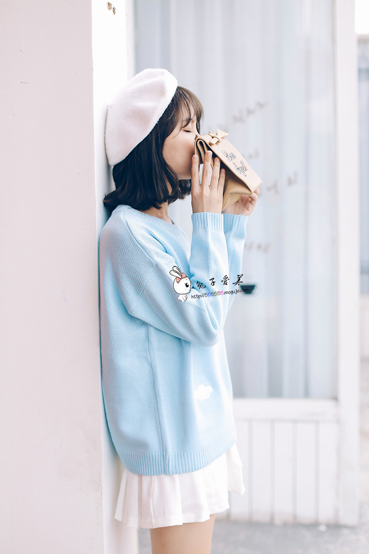 时尚甜美日系贴布刺绣云朵长袖毛衣