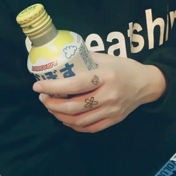 韩国ulzzang情侣纹身_韩国ulzzang情侣纹身分享展示