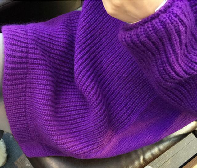 紫色长款毛衣搭配什么颜色围巾