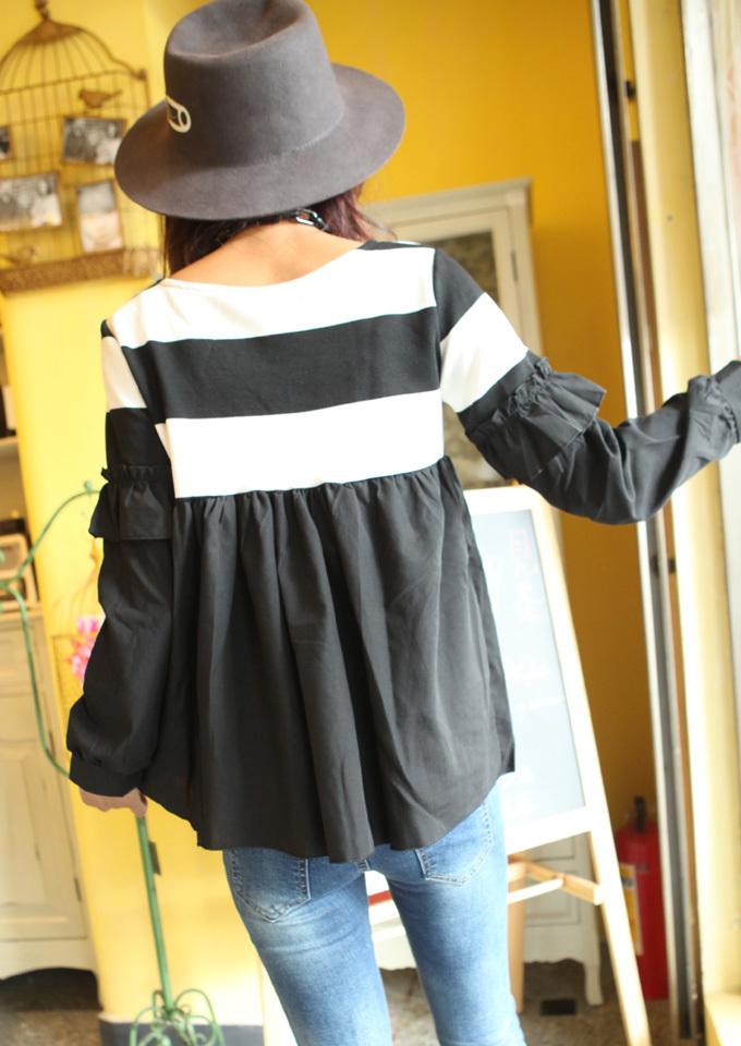条纹撞色灯笼袖套头娃娃衫
