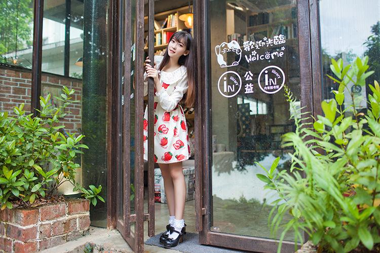 2015日系软妹草莓春夏少女气息软萌印花可爱清新连衣裙吊带裙