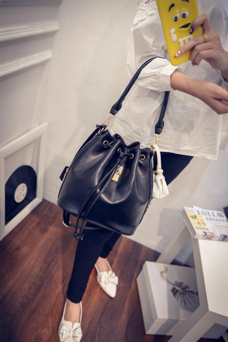 【米兰达·可儿同款高端【赠小包】水桶包】-包包