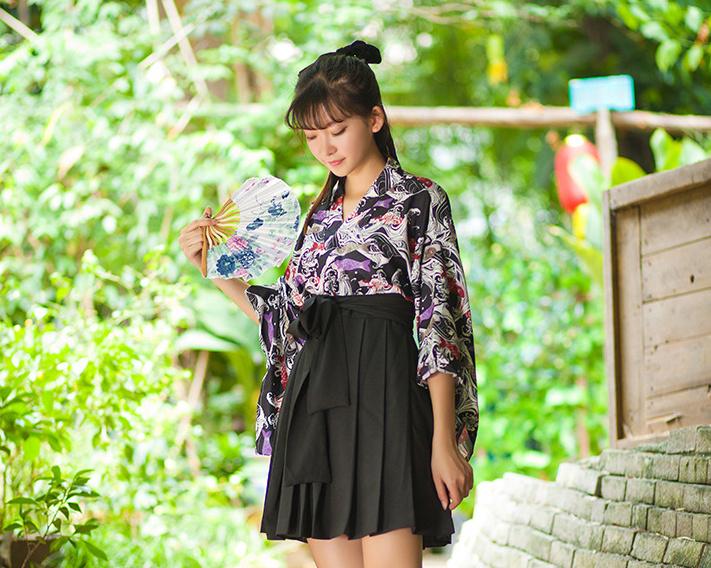 「水瓶座の白日梦」 日系印花和风上衣半裙套装