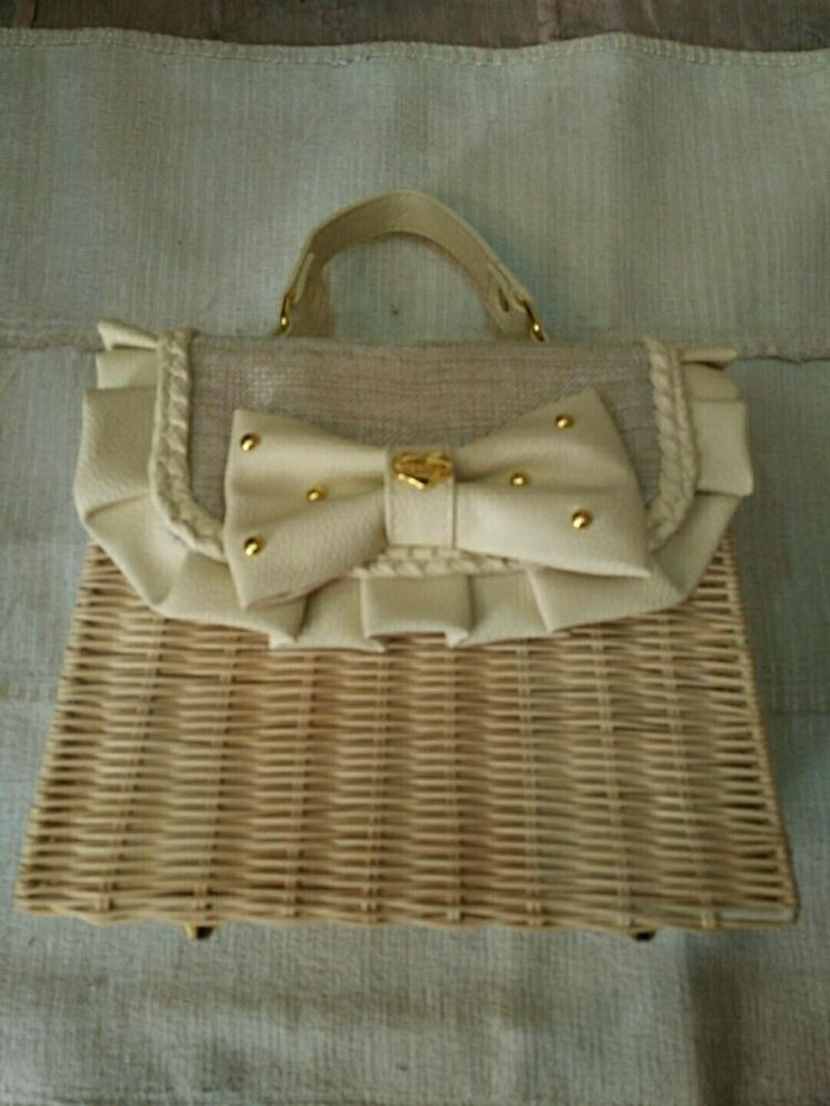 蝴蝶结藤条手工编织包包