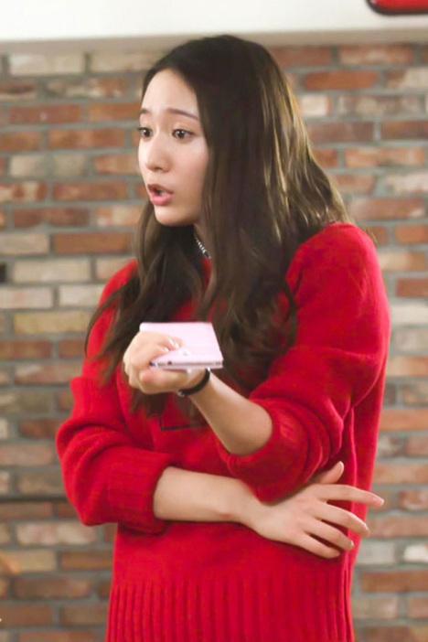 【郑秀晶同款红色字母套头毛衣】-衣服-针织衫