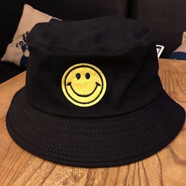 韩国可爱笑脸软妹渔夫帽子日本原宿风街头男女闺蜜潮人盆帽女