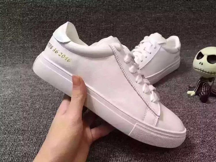 明星款小白鞋图片