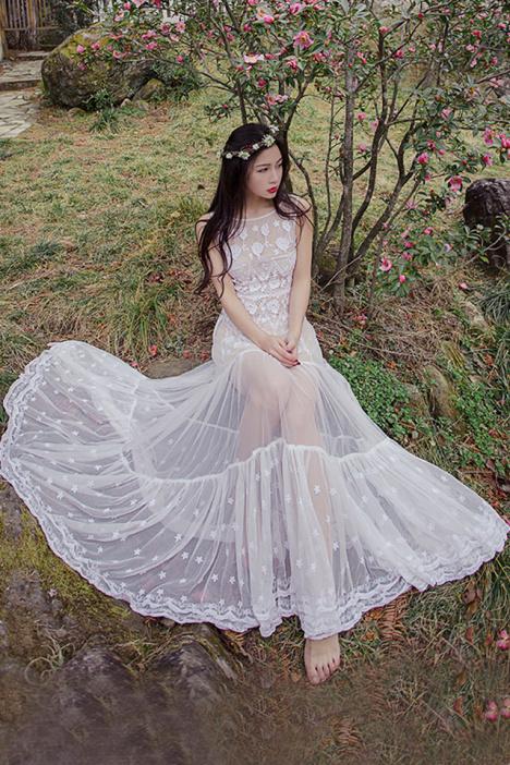【初岚】文艺复古刺绣花朵海边度假蕾丝仙女长裙