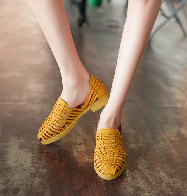 【阿木木】英伦风编织复古低跟凉鞋 学院风真皮猪笼鞋