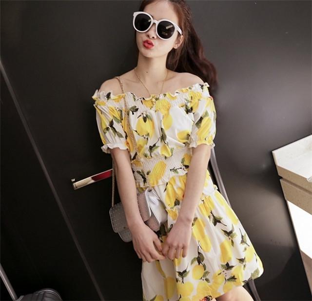芒果 柠檬图案印花一字领露肩收腰连衣裙