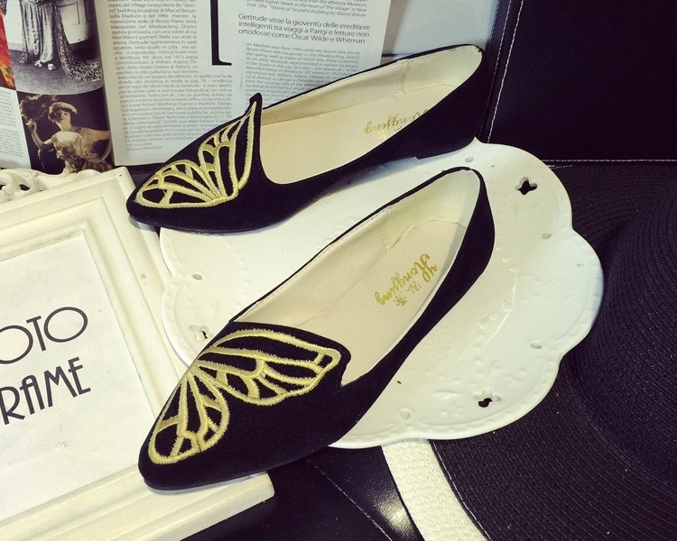 欧美范蝴蝶刺绣尖头鞋
